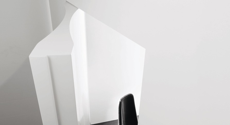 the super cool 10.8 from res: this veneered curved door with a thickness of 10 or 10.8 cm, adjustable to the wall thickness, is made of vertical wooden door jambs. supplied with adjustable hinges that allow for a 180° opening and a magnet lock. possible finishes are lacquered, gold leaf, silver leaf and special finishes upon request.