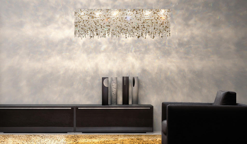 manooi linea: this elegant and unique classical shape is made for each client. you can choose from transparent or a colored crystal combination in 8 standard sizes.