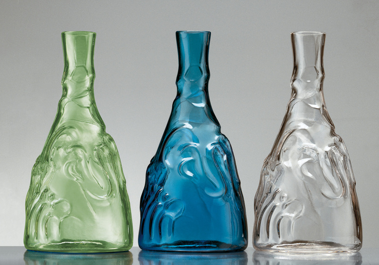 sink into history with the casa de familia bottle from bd barcelona
