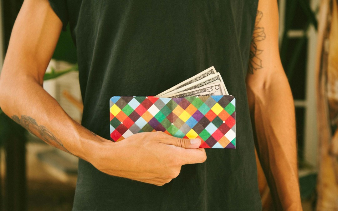 the intraligi wallet from paper wallet is oh so cool