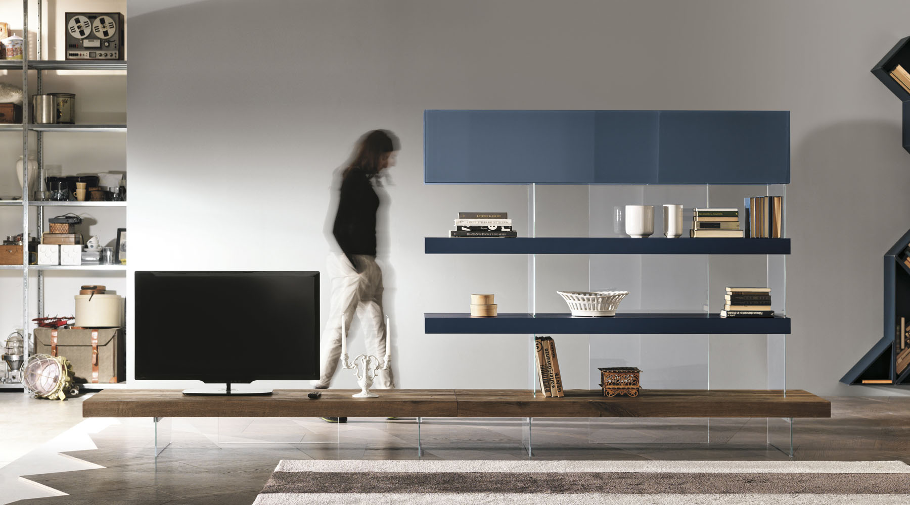 mobile-sospeso-con-ripiano-in-legno-rovere-design-Lago