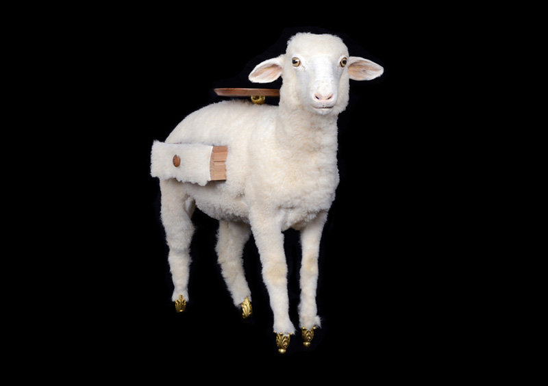 xai: with the approval of the gala salvador dalí foundation, bd barcelona has decided to launch a limited edition of twenty white lambs, and one unique version in black.