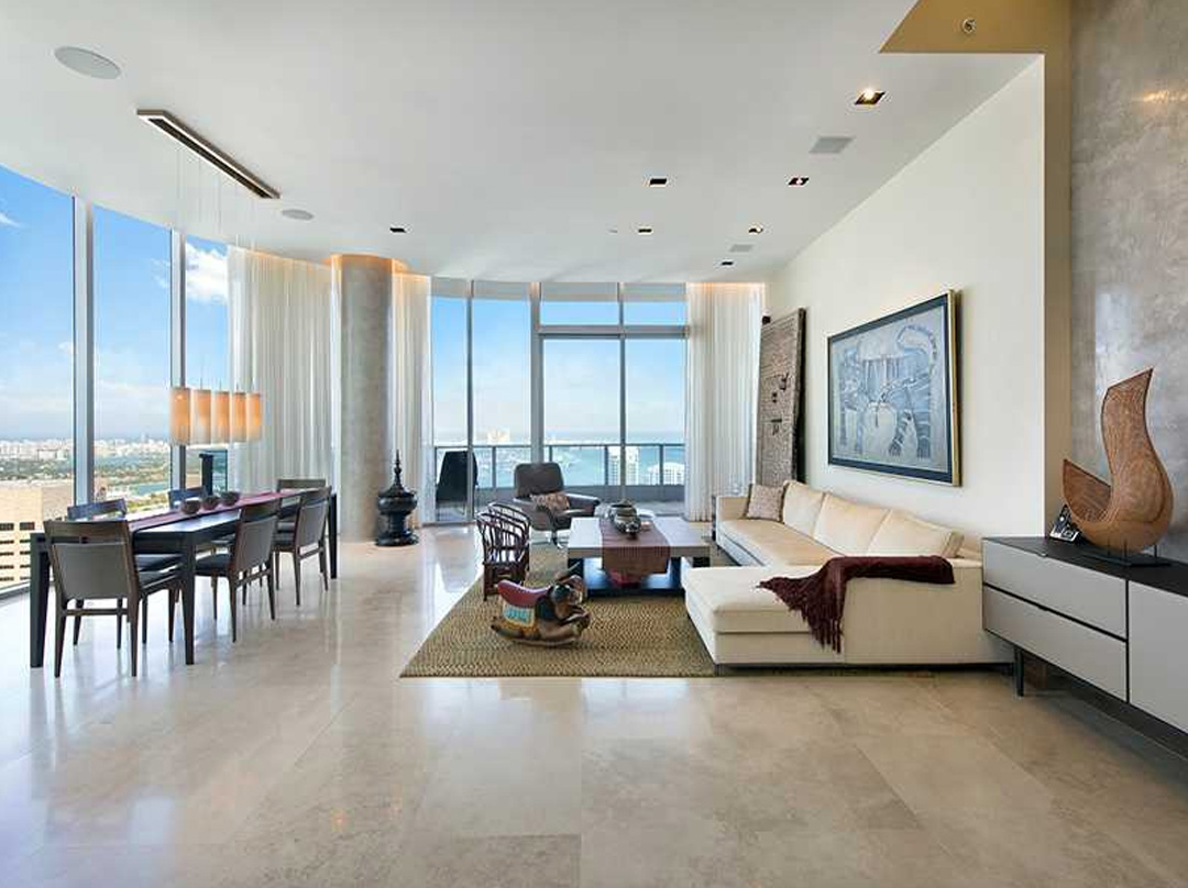 miami epic residence living area