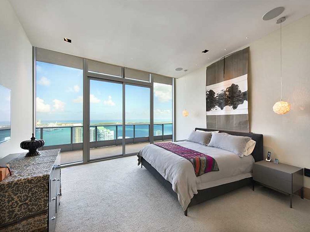 miami epic residence master bedroom