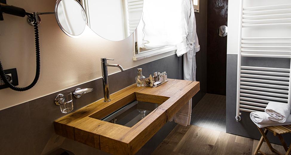lago projects   bathroom